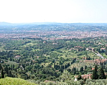Looking to Florence from Fiesole cycling with ExperiencePlus!