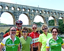 Cycling to the Pon-du-Gard with ExperiencePlus in Provence.