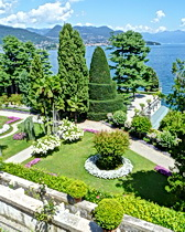 The grounds of the palace on Isola Bella