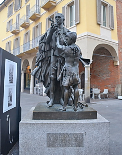 Stradivari Statue - Cremona
