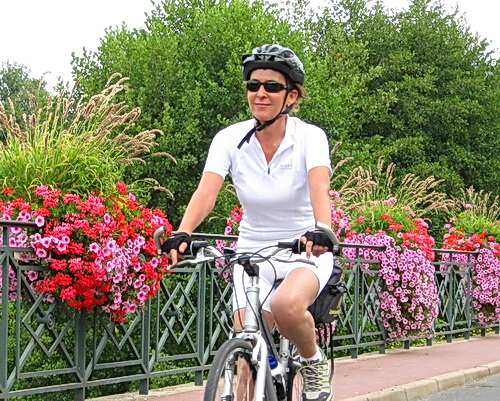 Gentle and beautiful terrain on Sightseer tours with ExperiencePlus! Bicycle Tours